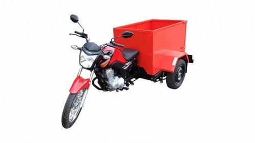 Moto com carroceria