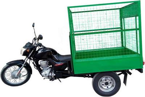 Triciclo com caçamba basculante