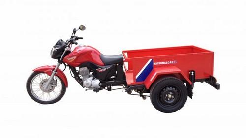 Triciclo entrega de gas
