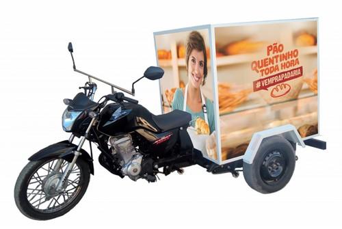 Triciclo furgão